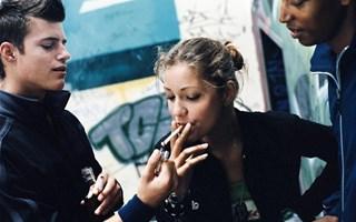 Adolescent qui fume