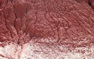 Boue rouge toxique