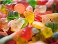 Consommer des aliments industriels ultra-transformés augmente le risque de cancer