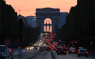 Début des restrictions de circulation pour les autocars et poids-lourds à Paris