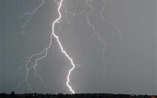 Eclair lors d'un violent orage