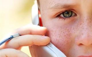 Enfant et téléphone portable