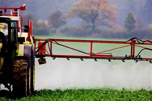 epandage-pesticides+3002003.jpg