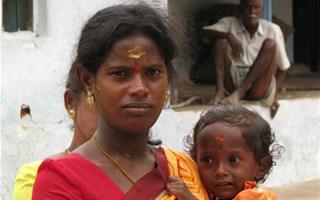 Femme enfant pauvreté