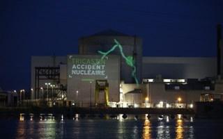 Greenpeace dans la centrale nucléaire de Tricastin