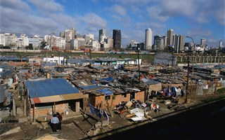 Inégalités extrêmes : 62 riches possèdent autant que les 3,6 milliards les plus pauvres