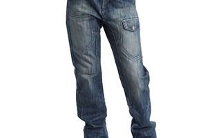 Jeans sablés avec la technique du sablage