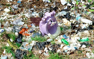 Un pacte national des grandes entreprises pour diminuer la pollution des emballages plastiques
