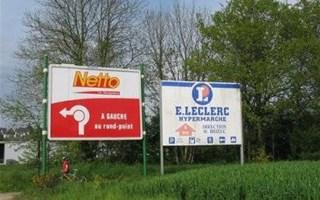 Panneaux publicitaires illégaux