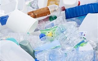 Fin des plastiques à usage unique en 2040 : une bonne perspective mais un délai insatisfaisant