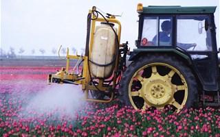 Un rapport explosif de l'ANSES pointe le danger des pesticides pour les agriculteurs