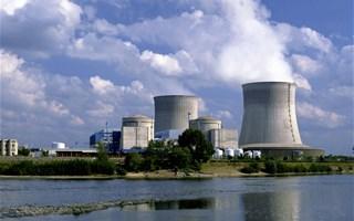 Ségolène Royal prête à prolonger de 10 ans la vie des centrales nucléaires