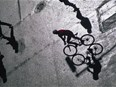 Les vélos sont plus rapides que les voitures et les scooters en ville !