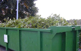 Benne de déchets verts
