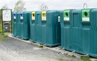 Poubelles de tri des déchets