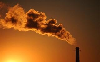 cheminée émettant CO2