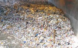 Tas de déchets ménagers