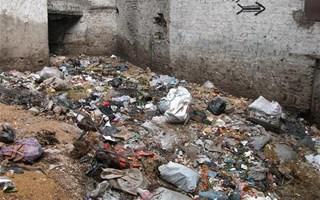 sol pollué par déchets divers