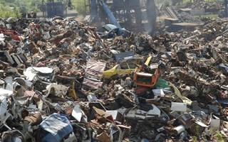Tas de déchets en décharge