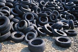 J'amène mes vieux pneus à la déchetterie