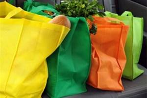 J'emmène avec moi un sac réutilisable pour faire mes courses
