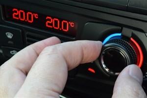 Je limite l'utilisation de la climatisation dans la voiture
